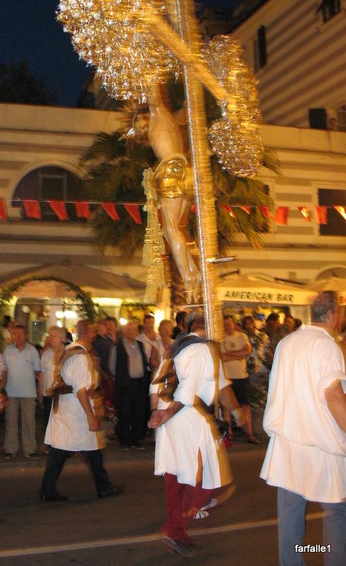 procession crucifix