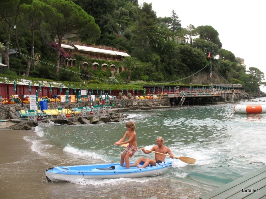 Surf's up Paraggi-1