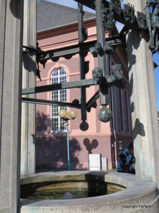 Russelsheim  statue-001