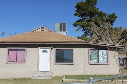 Superior House Tour non-tour house, odd window treatments